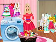 Прибирання Барбі пере одяг