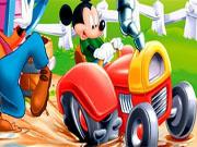 Міккі Маус на тракторі
