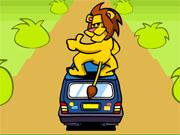 Лев катається на машині