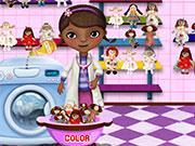 Доктор Плюшева миє іграшки