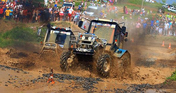 Ігри гонки на тракторах - грати онлайн безкоштовно! dad04c2ac5957